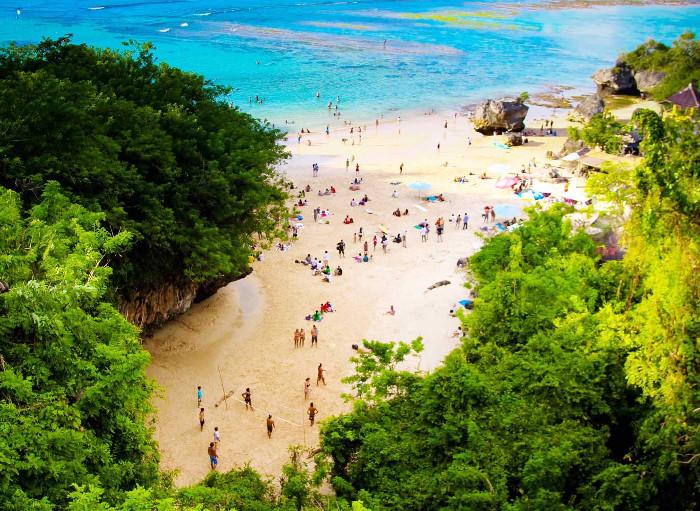 Pantai Padang-Padang. Salah Satu Pantai Di Bali Yang Pernah Dijadikan Lokasi Syuting Film Hollywood