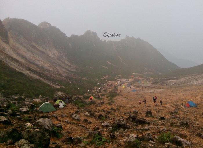 Mendaki Gunung Sibayak Untuk Menghabiskan Akhir Pekan di Medan