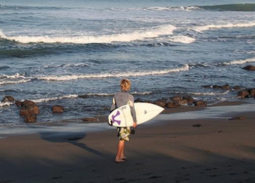 Pantai Canggu, Si Hitam Nan Cantik di Badung, Bali