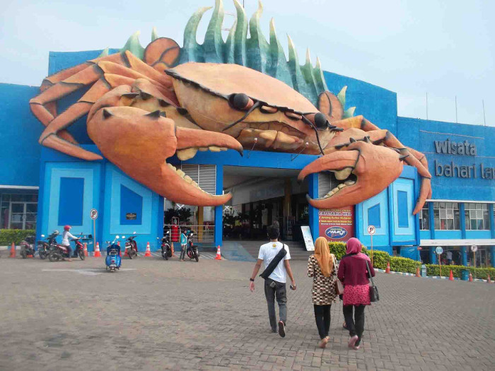 Wisata Bahari Lamongan. Waterpark Paling Keren di Jawa Timur