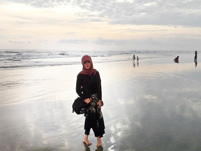 Pantai Bagedur Yang Panjang dan Luas di Banten
