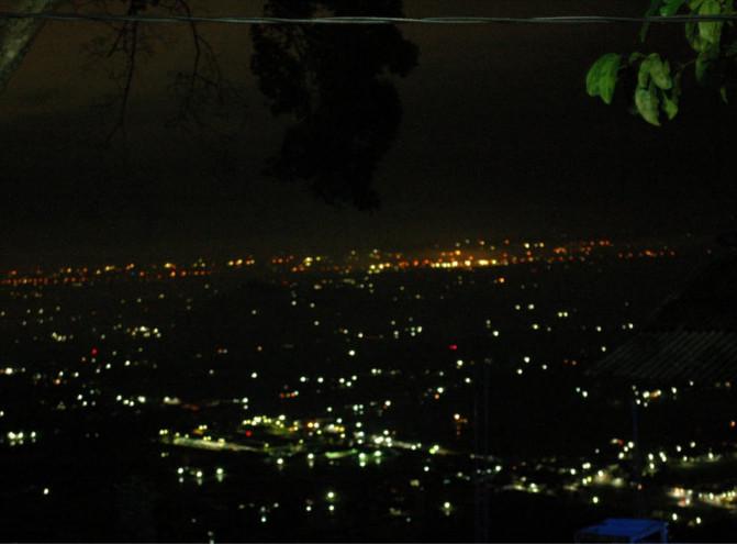 Bukit Bintang. Tempat Paling Pas Untuk Menikmati Langit Malam Jogja