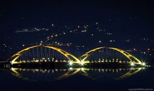 Jembatan Palu VI Saat Malam (Source: palu-nusantara.blogspot.com)