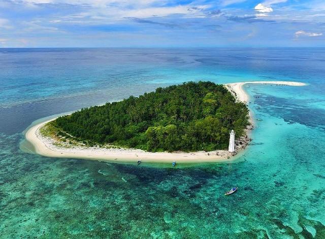 Pulau Lanjukang. Pulau Mungil Nan Cantik di Ujung Kota Makassar