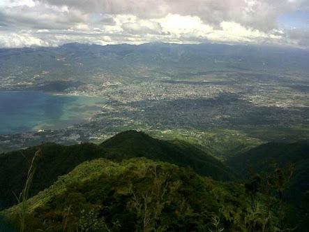 View Dari Batu Gantung, Gawalise (Source: twitter @PaluNatapa)