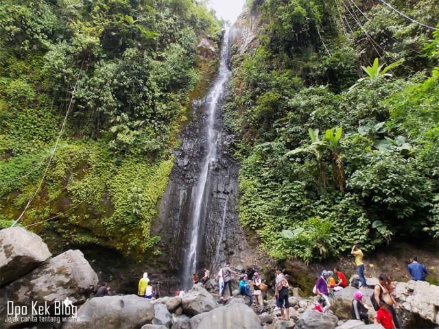 Foto: https://yasiryafiat.wordpress.com/2014/12/18/wisata-ke-air-terjun-montel-kudus-jawa-tengah/