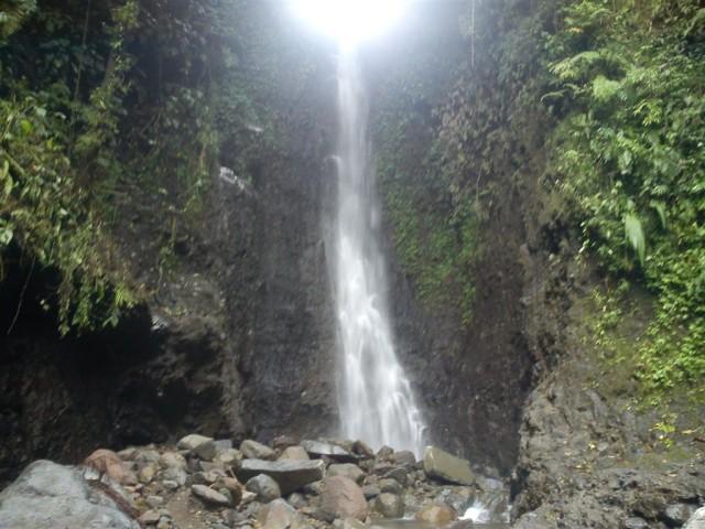 Foto: http://mday.info/images/news/1393035395jogorogo-ngawi-airterjun.JPG