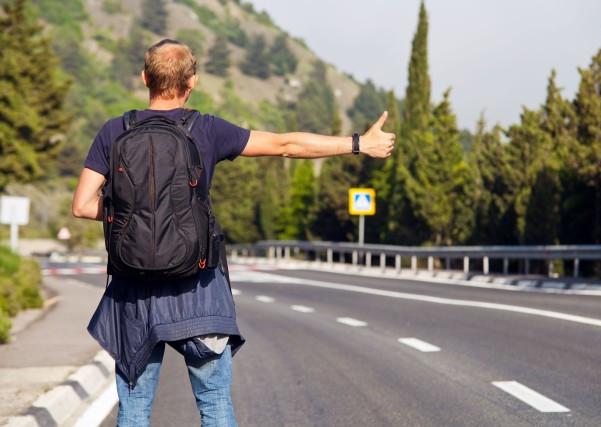 Hitchhiking Itu Apaan, Sih?