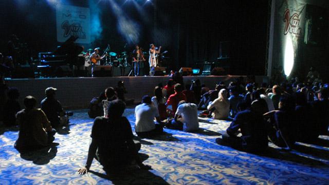 Foto: http://jazztraffic.com/img_file/file/news/Stage%20News.jpg