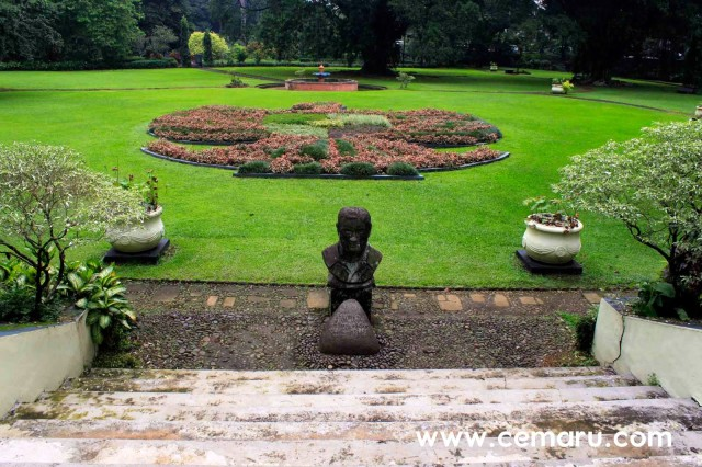 Foto: http://www.cemaru.com/2015/03/bogor-botanical-garden-some-spot-with-great-view.html