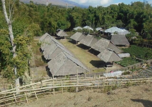 6 Desa Adat Yang Bisa Kamu Kunjungi di Lombok