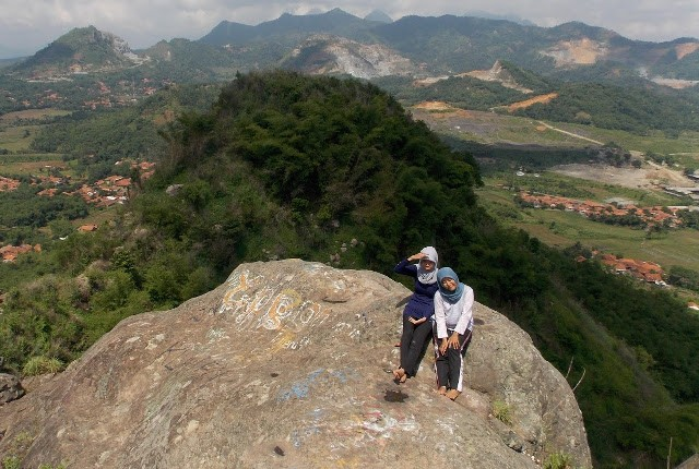 Foto: http://pypertiwi.blogspot.co.id/2015/08/tektok-i-gunung-cupu-333mdpl-kabupaten.html