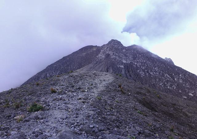 10 Hal Yang Wajib Kamu Tahu Tentang Gunung Merapi