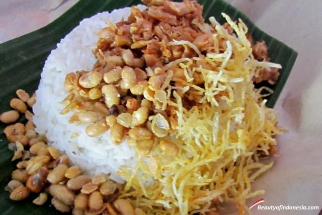 Foto: http://www.beautyofindonesia.com/mencicipi-kuliner-khas-lombok/