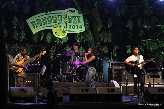Foto: https://aanprihandaya.com/2014/11/23/tung-tak-tung-jazz-ngayogjazz-2014/