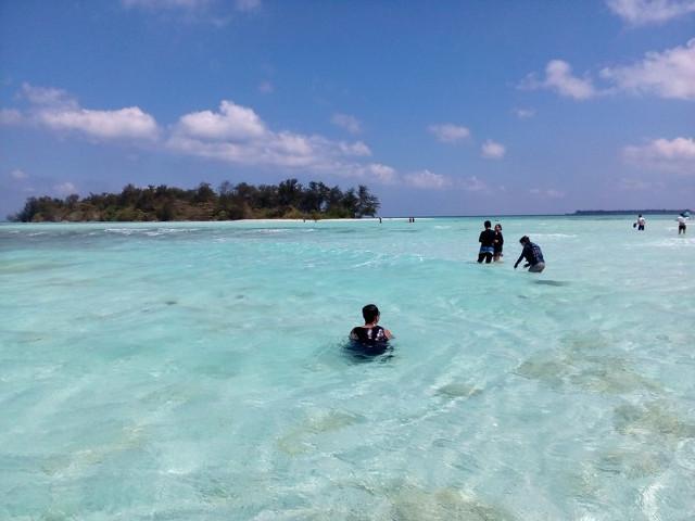 Foto: http://www.ranselkarimunjawa.co.id/2015/08/pulau-cemara-besar-karimun-jawa.html