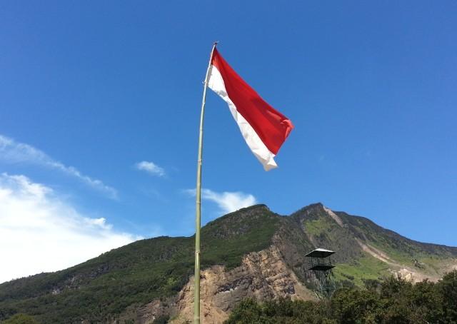 17 Agustus Semakin Dekat. Haruskah Ikut Upacara Bendera di Gunung?