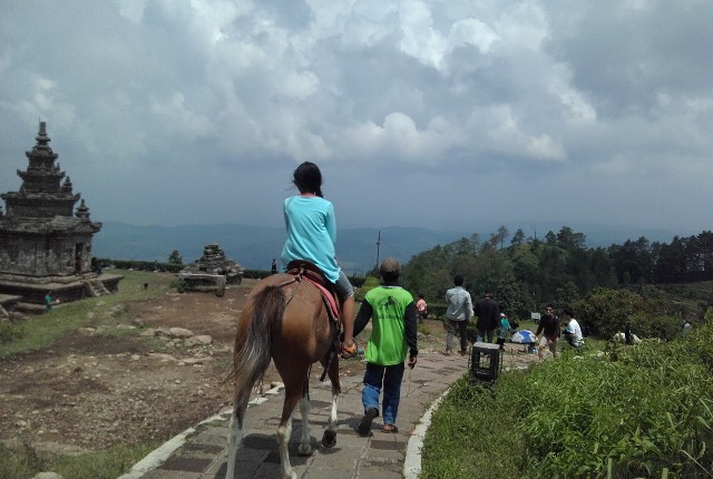 Candi Gedong Songo. Antara Wisata Sejarah-Kultural dan Wisata Alam Pegunungan
