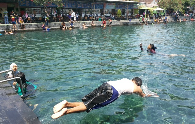 berenang_ponggok