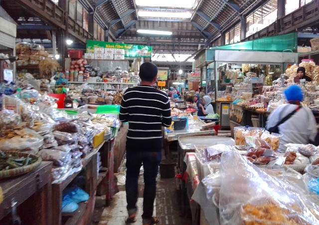 3 Pasar Tradisional di Solo Yang Cocok Untuk Belanja Oleh-oleh