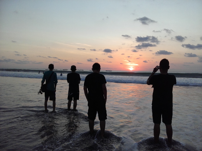 Sunset Yang Aduhai di Pantai Kuta