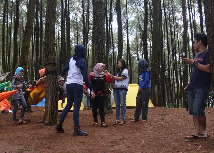 Camping Ceria di Hutan Pinus Pengger Bersama Info Gunung Chapter Jogja