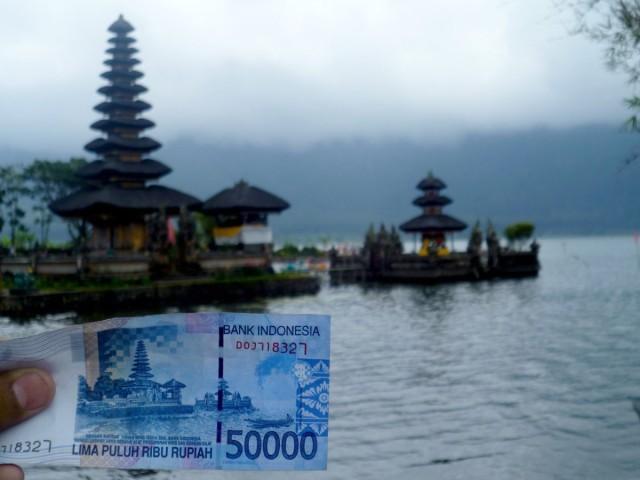 Foto: http://www.kintamani.id/wp-content/uploads/Pura-Ulun-Danu-Bratan-dalam-uang-pecahan-50-ribu-rupiah.jpg