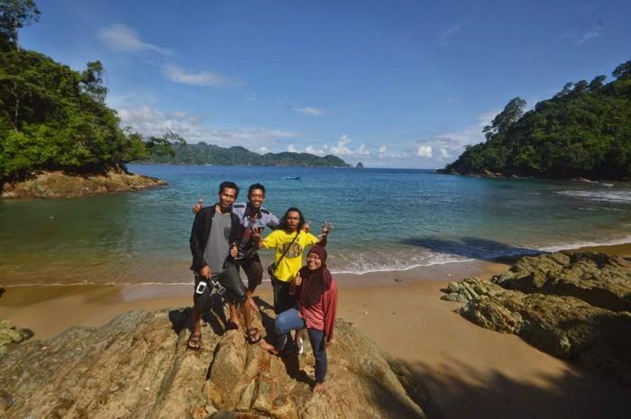 Pantai Bolu-bolu. Pantai Cantik di Malang Yang Bikin Gemes