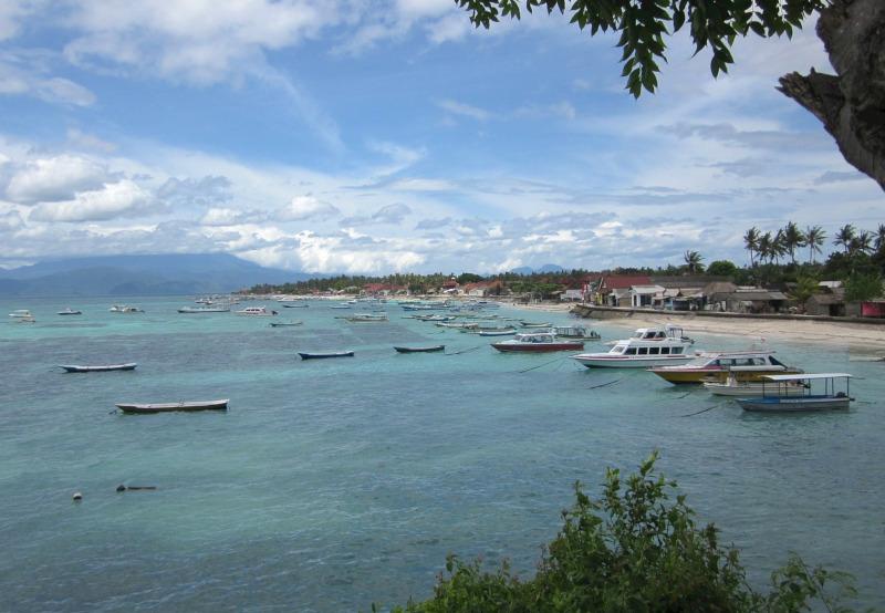 Lombok dan Rindu Yang Belum Terbalas