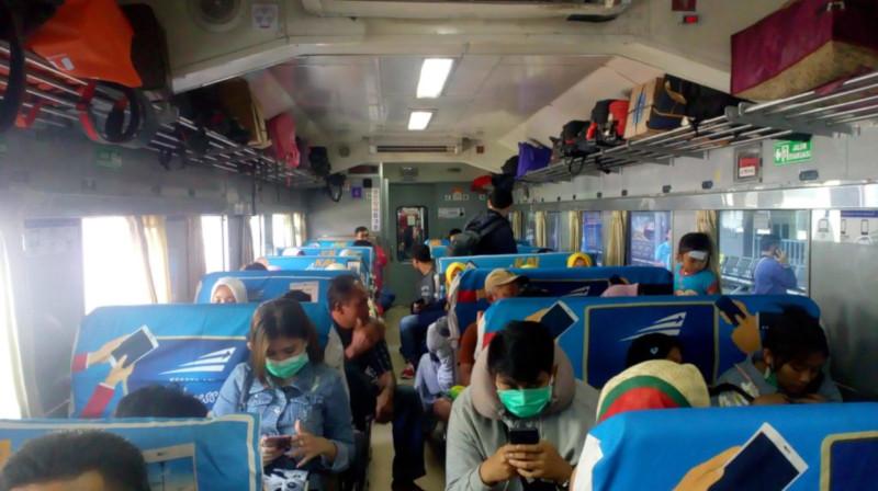 Menjajal Kereta Api Ekonomi Matarmaja